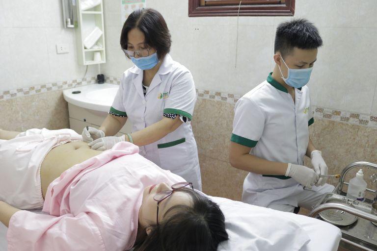Tại Trung tâm, bệnh nhân luôn được trị liệu rất cẩn thận nên không gây ra phản ứng bất thường nào