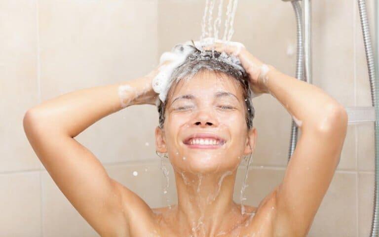Sau khi cấy chỉ giảm béo người bệnh cần kiêng tắm ít nhất 6 giờ
