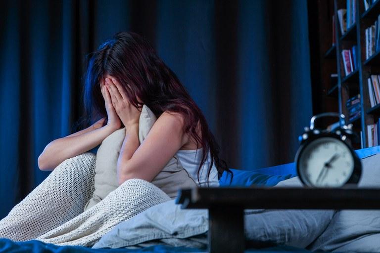 Mất ngủ là nỗi ám ảnh của không ít người, nhất là độ tuổi trung niên